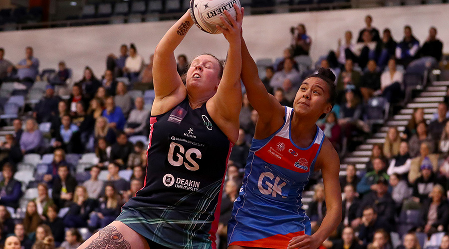 Victorian Fury shooter Emma Ryde in action during the Australian Netball League final