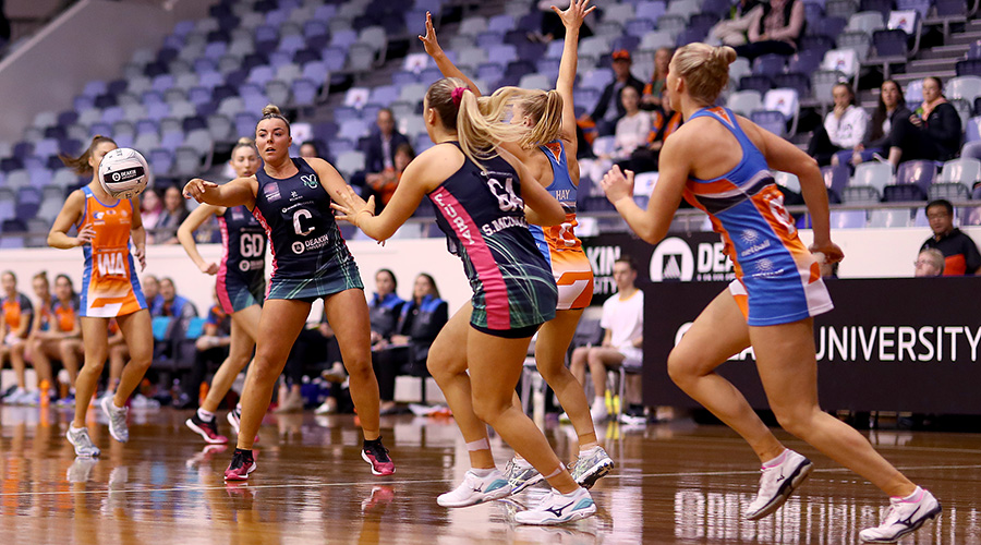 Victorian Fury centre Elle McDonald in the 2019 Australian Netball League final