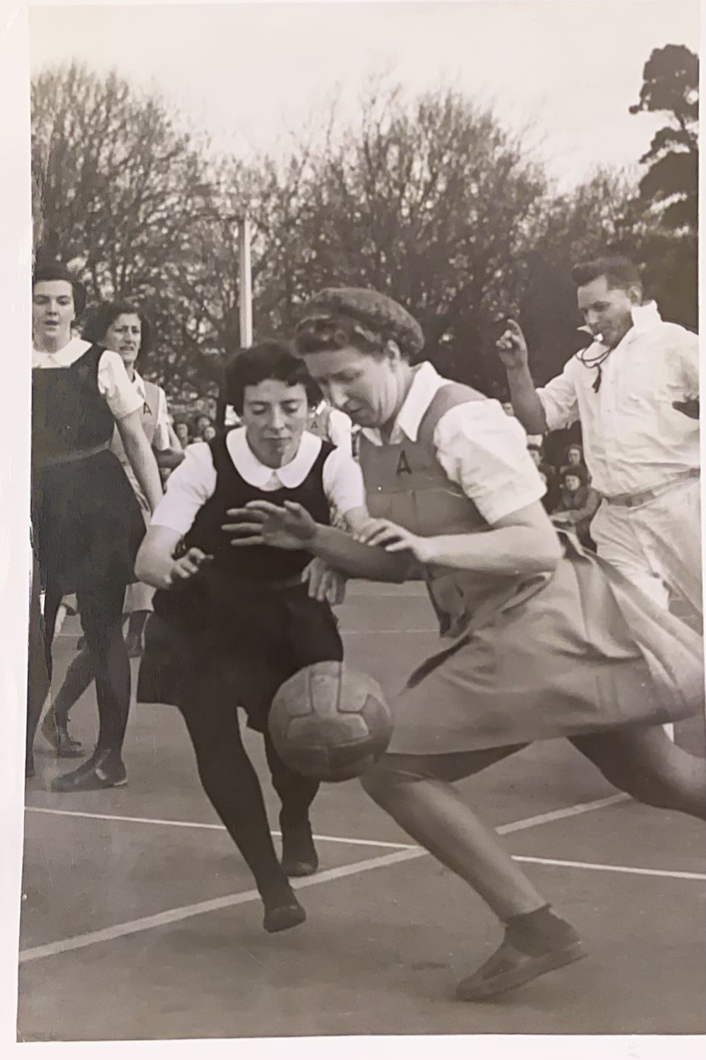 New Zealand captain Oonah Shanahan (nee Murrary) and Wyn opposing each other in Canterbury.